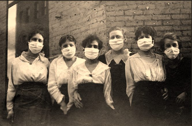 http://www.lifelikecharm.com/flu_masks_1918_19.jpg